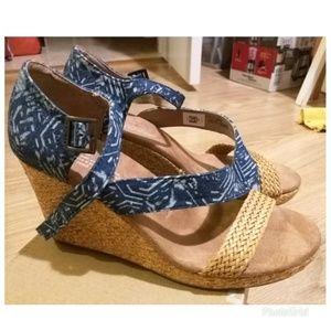 656d00876f1 Toms Shoes - Tom s Clarissa Wedge Blue Batik Textile